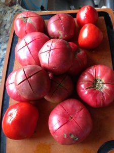 Crushed tomatoes - canning your harvest overflow