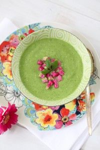 Raw Green Veggie Soup w/ Cilantro & Avocado-What's your 2012 Health Goal? Pureed Food Recipes, Whole Food Recipes, Soup Recipes, Vegan Recipes, Vegan Soups, Vegan Dishes, Green Soup, Veggie Soup, Raw Food Diet