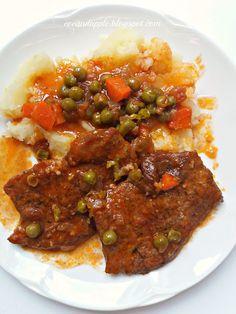 Eve and Apple: Zöldborsós répás szaftos karaj Meat Recipes, Cooking Recipes, Meatloaf, Chili, Bacon, Curry, Pork, Food And Drink, Ethnic Recipes