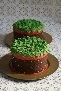 Holly Mini Cake