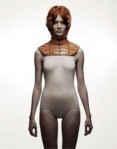 Úna Burke: designer de acessórios especializada em couro.