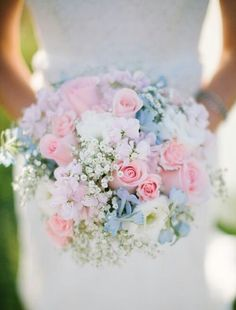 We Heart It 経由の画像 https://weheartit.com/entry/165805436 #bouquet #bridal #bride #floral #flowers #pastel #wedding