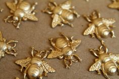 4 pc. Medium Raw Brass Queen Bees: 18mm by 19mm - made in USA - RB-310