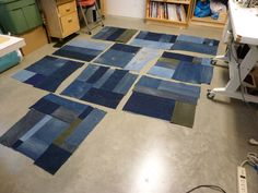 how to quilt erin wilson Denim Quilts, Blue Quilts, Sewing Ideas, Sewing Crafts, Sewing Projects, Erin Wilson, Denim Crafts, Textiles, Old Jeans