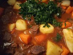 Gulyásleves házi csipetkével recept lépés 3 foto Pot Roast, Pork, Beef, Ethnic Recipes, Anna, Carne Asada, Kale Stir Fry, Meat, Roast Beef
