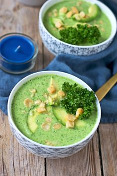 With only 2 ingredients plus optional toppings, this Broccoli Soup is done within minutes and you can enjoy a nourishing and healthy soup. #halfyourplate