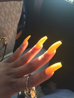 Beautiful nail art designs that are just too cute to resist. It's time to try out something new with your nail art. Sexy Nails, Dope Nails, Classy Nails, Bling Nails, Toe Nail Designs, Acrylic Nail Designs, Matte Nails, Acrylic Nails, Acrylics