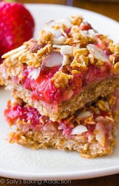 Deliciously Healthy Strawberry Squares recipe by sallysbakingaddiction.com-- wholesome, guilt-free goodness!