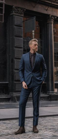 Cool suits for men. Mens Fashion Casual Shoes, Stylish Mens Fashion, Mens Fashion Blog, Fashion Moda, Mens Fashion Suits, Mens Suits, Men's Fashion, Daily Fashion, Fashion Styles