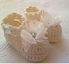 Crochet Baby Booties White Crochet Booties by TippyToesBabyDesigns, $25.00