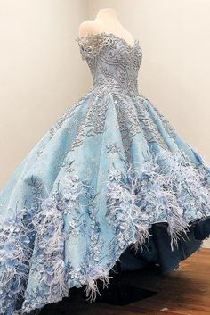 Gorgeous Light-Sky-Blue Evening Dresses Off Shoulder Luxury Beads Floral Appliques Lace Ball Gown Party Dress Glamorous Feather Prom Dres Pretty Prom Dresses, Girls Pageant Dresses, Blue Evening Dresses, Formal Dresses, Sparkly Dresses, Formal Prom, Lace Ball Gowns, Ball Gown Dresses, Fantasy Gowns