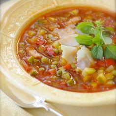 Minestrone a'la Belonika (recipe in Russian) Soup Recipes, Vegan Recipes, Cooking Recipes, Good Food, Yummy Food, Soup And Sandwich, Russian Recipes, Soup And Salad, Kitchens