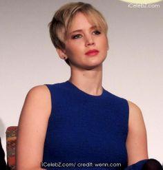 Jennifer Lawrence visits a hospital before Christmas http://www.icelebz.com/gossips/jennifer_lawrence_visits_a_hospital_before_christmas/