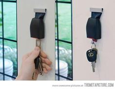 Key holder from old seat belt -not sure i want it in my house, but creative enough to make me want to pin it lol