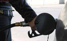 El precio del gasóleo baja en vísperas de Semana Santa y la gasolina sube