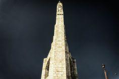 Statue der heiligen Genoveva von Paris auf der Pont de la Tournelle