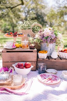 This gorgeous picnic looks both pretty and delicious! Perfect for a summer day!