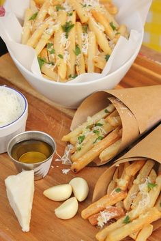 Recipe for Garlic Parmesan Cheese Fries. Great for game day, super bowl or entertaining!