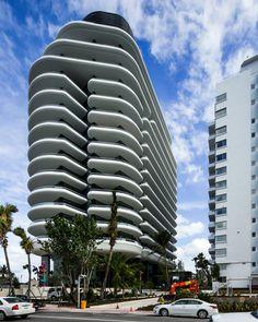 El Faena Hotel en Miami en su último tramo de construcción. Para este proyecto, Alan Faena convocó a Rem Koolhaas, Norman Foster y al director de cine Baz Luhrmann. Fotos: Chris Goodney/Bloomberg