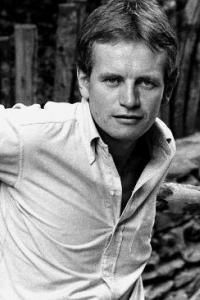 Charles Bruce Chatwin (13 May 1940 – 18 January 1989) was an English novelist and travel writer. He won the James Tait Black Memorial Prize for his novel On the Black Hill (1982). Married and bisexual, he was one of the first prominent men in Britain known to have contracted HIV and died of AIDS, although he hid the facts of his illness. Patrick Leigh Fermor, Lgbt History, Salman Rushdie, Penguin Classics, Time Magazine, West Africa, Authors, The Twenties