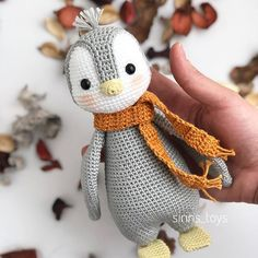 Crochet Penguin, Crochet Baby Toys, Crochet Amigurumi Free Patterns, Christmas Crochet Patterns, Crochet Animal Patterns, Crochet Doll Pattern, Stuffed Animal Patterns, Cute Crochet, Crochet Crafts