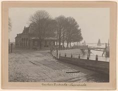 552_326050 Het Papendrechtse veerhuis aan de Veerdam te Papendrecht. - Regionaal Archief Dordrecht Rotterdam, Painting, Outdoor, Art, Outdoors, Art Background, Painting Art, Kunst, Gcse Art