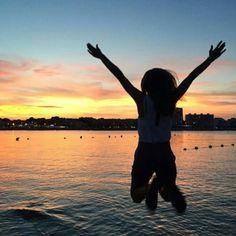 27/12/2015 Hoy es el último domingo del año. El tiempo pasa volando. Feliz Noche amigos. #panama #sunday #sunset