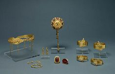Ensemble of Jewelry (Getty Museum); gold, carnelian, and glass paste. Greek, Alexandria, Egypt, 220 - 100 B.C.