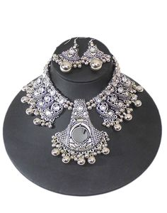 GiftPiper Oxidized Metal Necklace. Pay COD. (Resellers whatsapp 9902499133) -http://www.giftpiper.com/product/oxidized-metal-navratri-jewellery-set-glass-beads