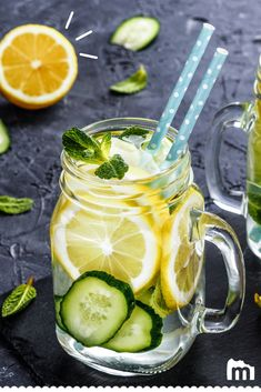 - Beauty & Health - Boisson détox concombre gingembre menthe Healthy recipe: try this detox drink with cucumber, ginger, mint and lemon, to go with a diet or simply to purify your body. Limoncello Cocktails, Easy Detox Cleanse, Healthy Cleanse, Healthy Drinks, Veggie Juice, Natural Detox Drinks, Body Detox, Detox Tea, Detox Recipes