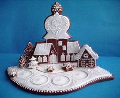 Svícen   Perníky Christmas Gingerbread, Gingerbread Cookies, Gingerbread Houses, Chocolates, Xmas, Christmas Ornaments, Holiday Cookies, Biscotti, Cookie Decorating