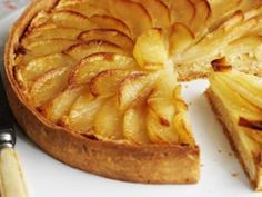 Pear tart _ Great British Menu finalist, chef Tom Kerridge, shares his recipe for a perfect pud for entertaining. Just Desserts, Delicious Desserts, Dessert Recipes, Yummy Treats, Yummy Food, Sweet Pie, Sweet Tarts, Bbc Good Food Recipes, Baking Recipes