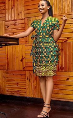 Latest African Fashion Dresses, African Dresses For Women, African Attire, Women's Fashion Dresses, Ankara Fashion, African Women, African Fashion Designers, Ankara Dress Designs, African Print Dress Designs