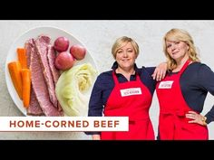 Host Julia Collin Davison goes into the test kitchen with host Bridget Lancaster to reveal the secrets to making Home-Corned Beef with Vegetables. Corn Beef And Cabbage, Cabbage Recipes, Kitchen Recipes, Cooking Recipes, Chef Recipes, Country Magazine, American Test Kitchen, Video Studio, Corned Beef Recipes