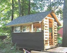 42 Ideas For Garden Shed Chicken Coop Wooden Pallets - Modern Old Pallets, Recycled Pallets, Wooden Pallets, Building A Wood Shed, Pallet Building, Pallet Shed, Pallet House, Pallet Playhouse, Pallet Benches