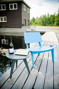 Lago Patio Lounge Chair Made in U.S.A. | Loll Designs- Complete with a built in wine glass holder! @lolldesigns