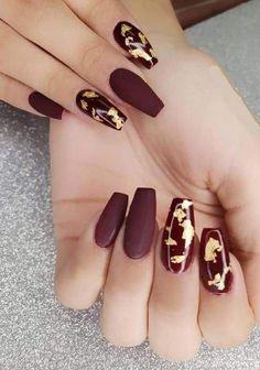 Burgundy Nail Designs, Burgundy Nails, Gel Nail Designs, Burgundy Color, Matte Maroon Nails, Nails Design, Gold Acrylic Nails, Rose Gold Nails, Cute Nails