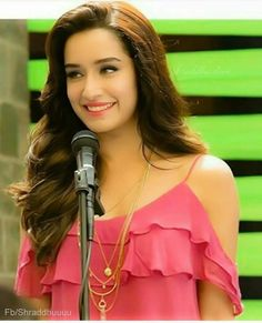 Shraddha kapoor Bollywood Dress, Bollywood Stars, Bollywood Fashion, Indian Celebrities, Bollywood Celebrities, Shraddha Kapoor Half Girlfriend, Stylish Girl Pic New, Sraddha Kapoor, Ranbir Kapoor