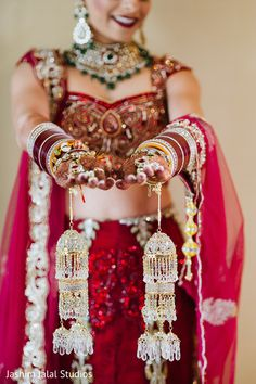 For Her Wedding This Indian Bride Opts For Beautiful Jewelry Indian Bridal Fashion