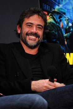 Jeffrey Dean Morgan Actor Jeffrey Dean Morgan speaks onstage during a visit to the Apple Store Soho March 5, 2009 in New York City.  (Photo ...