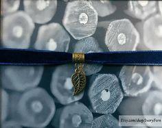 Dark blue choker velvet choker leaf-pendant choker bronze