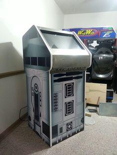Custom R2D2 touchscreen jukebox/quiz machine by Ridicrick