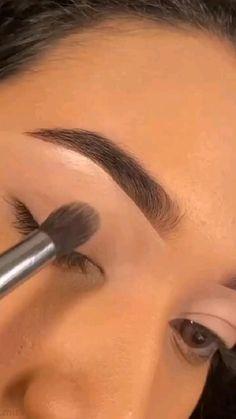 Makeup Eye Looks, Simple Eye Makeup, Brown Makeup Looks, Smokey Eye Makeup, Eyebrow Makeup, Pretty Makeup, Creative Eye Makeup, Eyeshadow Makeup, Eye Makeup Art
