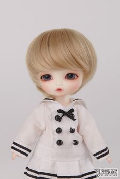 sailor suit .
