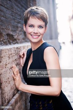 492898018-actress-andrea-osvart-is-photographed-for-gettyimages.jpg 395×594 pixels