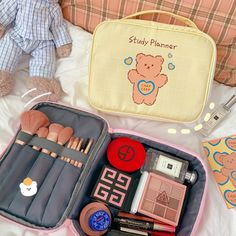 Small Makeup Bag, Small Cosmetic Bags, Large Bags, Small Bags, Ponytail Drawing, Bear Makeup, Nintendo Switch Accessories, Kawaii Makeup, Cute School Supplies