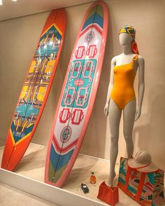 "HERMES, Rue Du Faubourg Saint Honore, Paris, France, ""Beach Essentials"", photo by Virginia di Carpegna, pinned by Ton van der Veer"