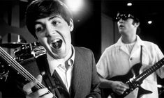 Sir Paul McCartney has revealed that he remembers writing his best Beatles hits sitting opposite John Lennon in a hotel room and that the pair would 'spin off each other'. The Beatles, Beatles Photos, Beatles Art, Abbey Road, Woodstock, Liverpool, Happy Birthday Paul, John Lennon Paul Mccartney, The Ed Sullivan Show