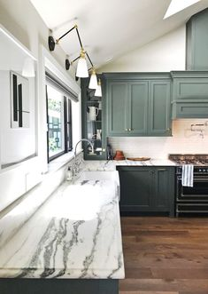 Green cabinets + mar