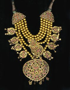 Rajasthani Indian necklace -  22 k gold necklace with inlaid stones from Shri Lanka late 19th / early 20th c